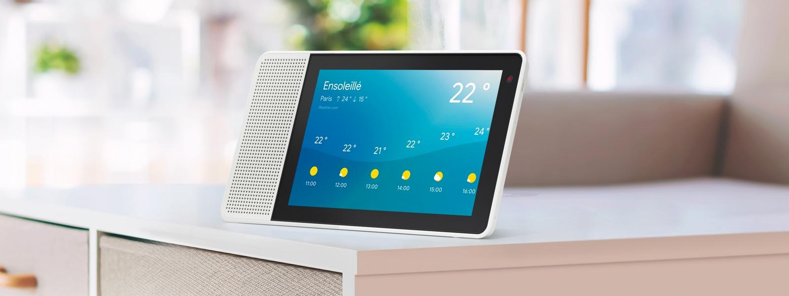 Lenovo Smart Display vous aide à préparer votre journée en vous informant sur les prévisions météo.